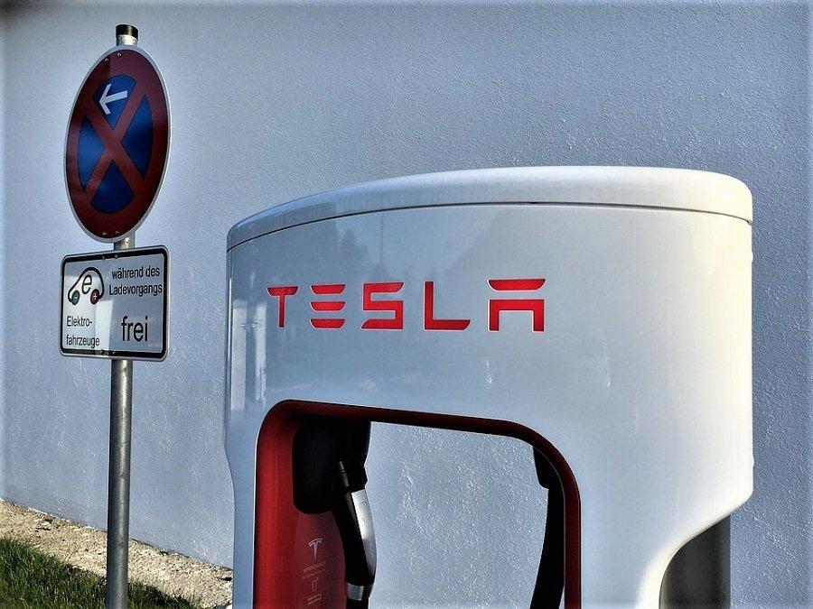 Tesla отказывается от производства аккумуляторов на новом заводе из-за экологических рисков