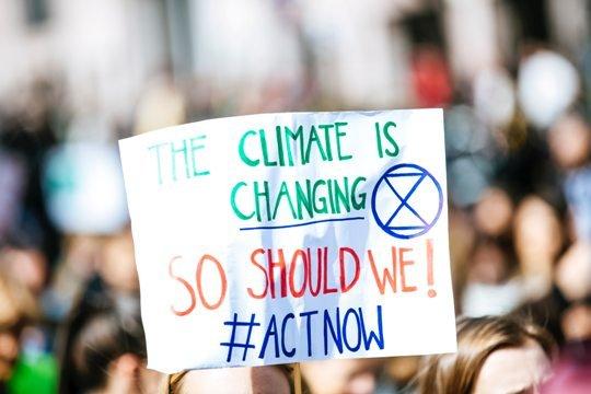 Опрос ООН: жители планеты считают изменение климата — чрезвычайной ситуацией глобального значения