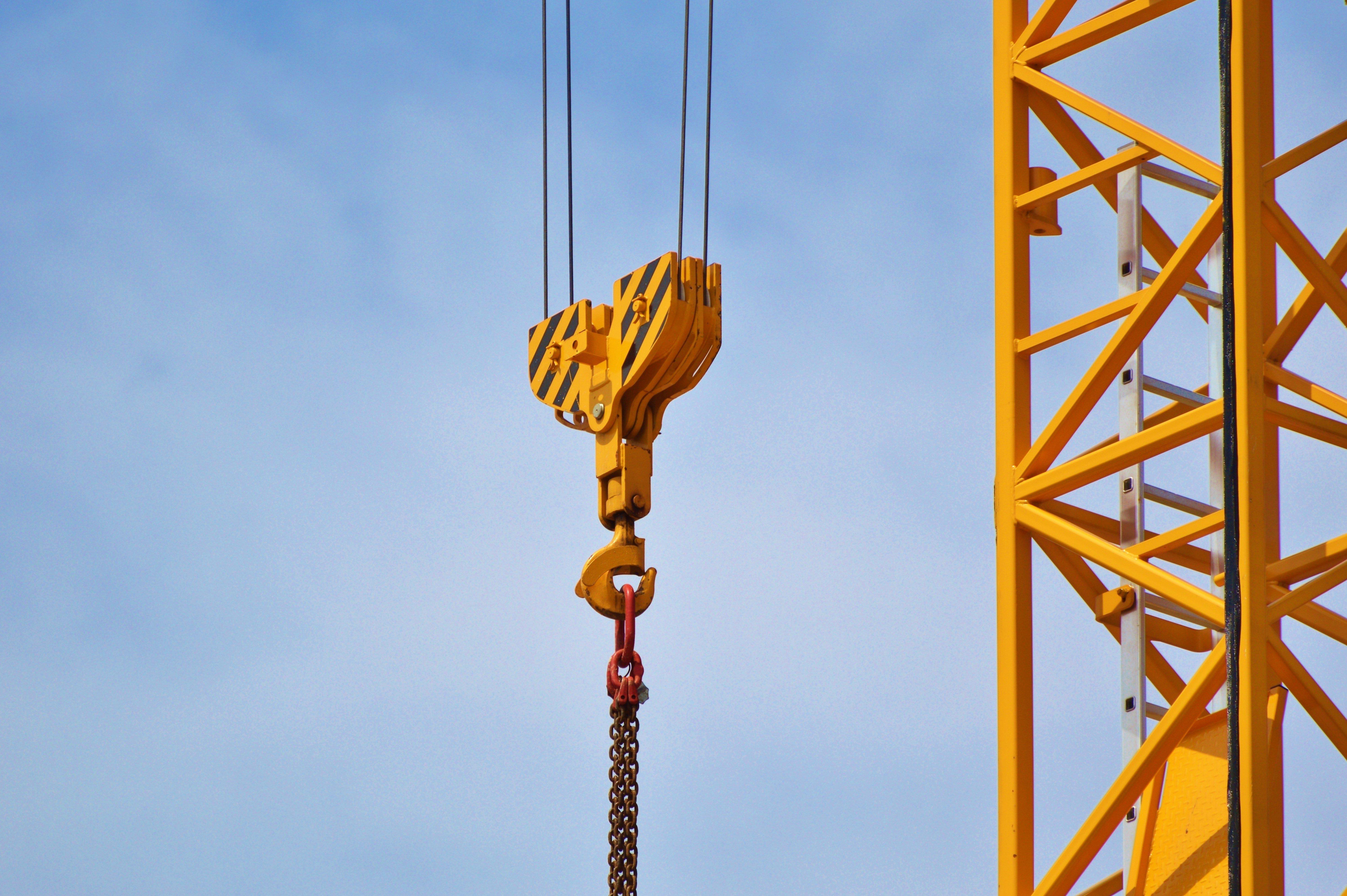 Cadman Cranes откажется от дизельного топлива